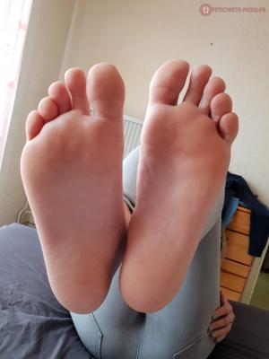 annonces fétichiste des pieds